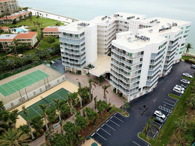 Gulf view Condos - Mirage on the Gulf - Marco Island, Florida